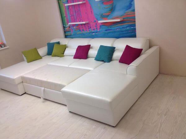 П образный диван белый