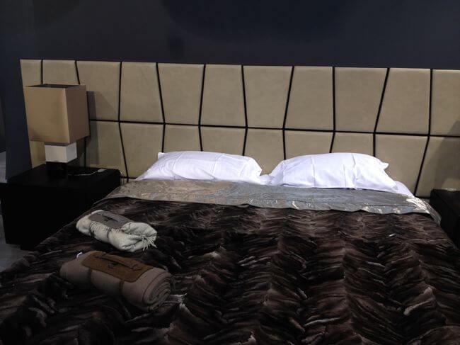 фабричная кровать
