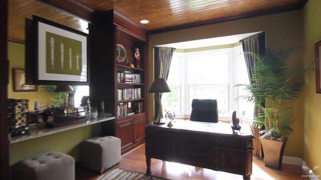 практичная мебель для рабочего кабинета