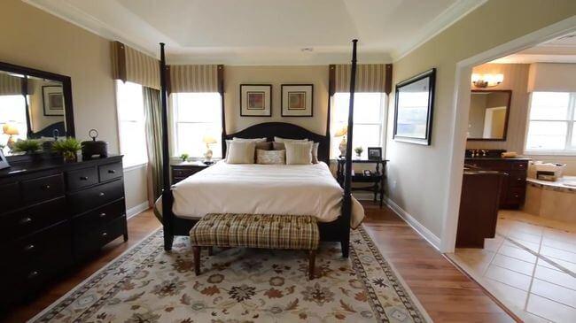 хорошая кровать для спальни