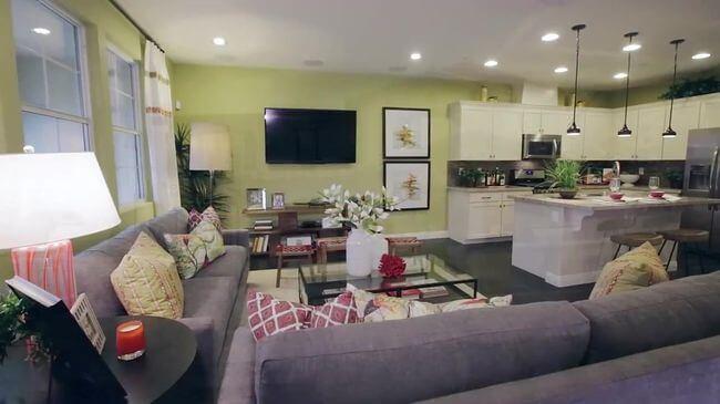диван для принятия гостей