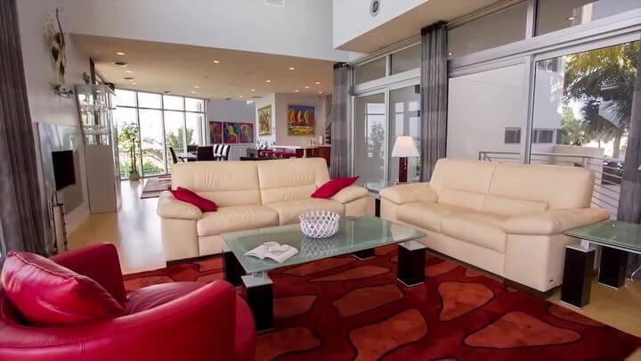 богатый диван