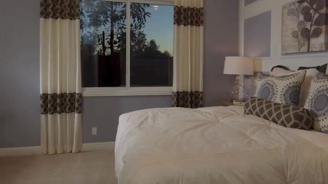 двуспальная кровать