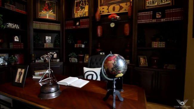 богатая мебель в рабочий кабинет