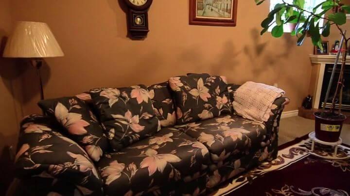 красивый диван производства Украина