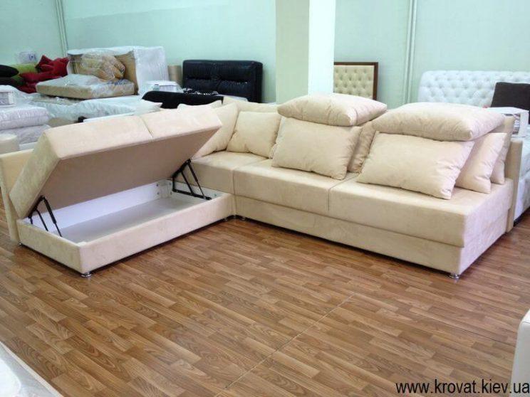 диван с нишей внутри