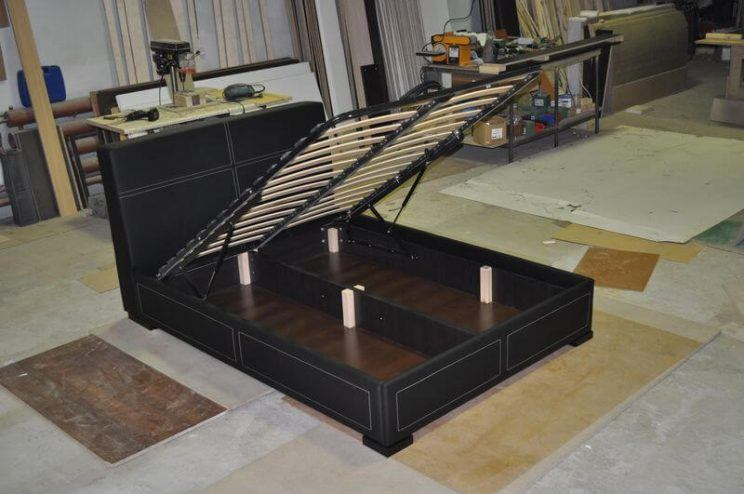 ліжко з ящиком для білизни