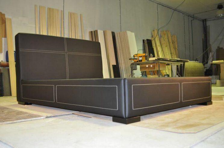 изготовление кроватей черного цвета на заказ