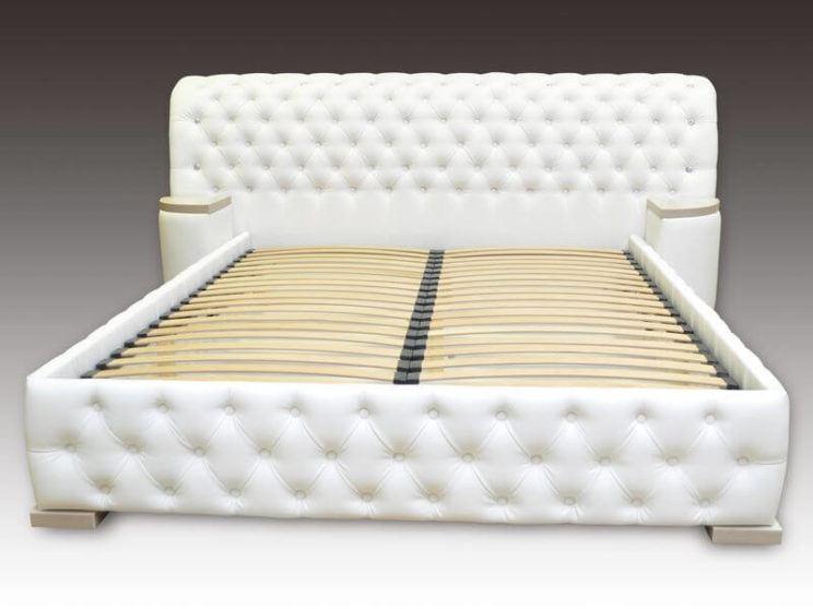 ліжко Честер з приліжковими пуфами