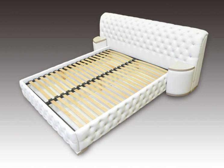 ліжко Честер з приліжковими пуфиками