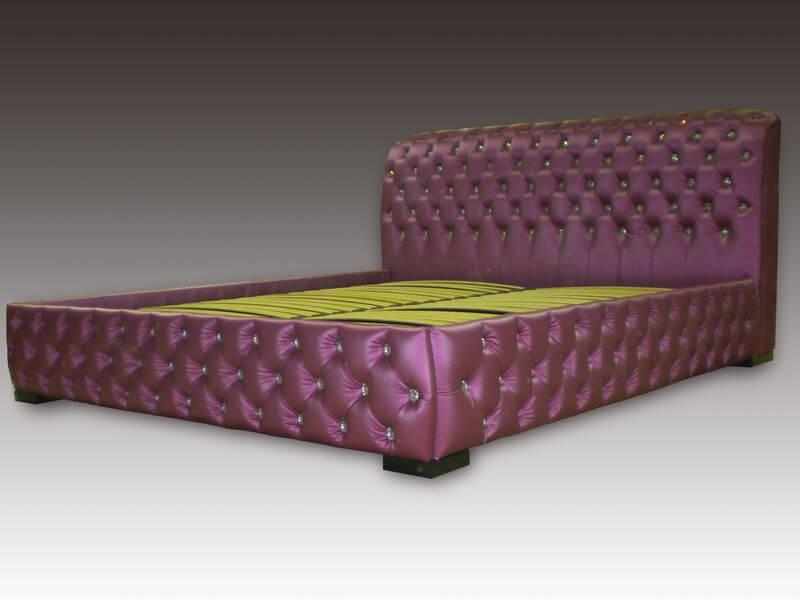 кровать Честер с камнями сваровски
