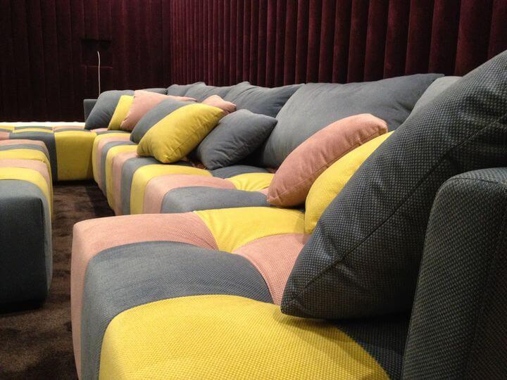 диван в кинотеатр