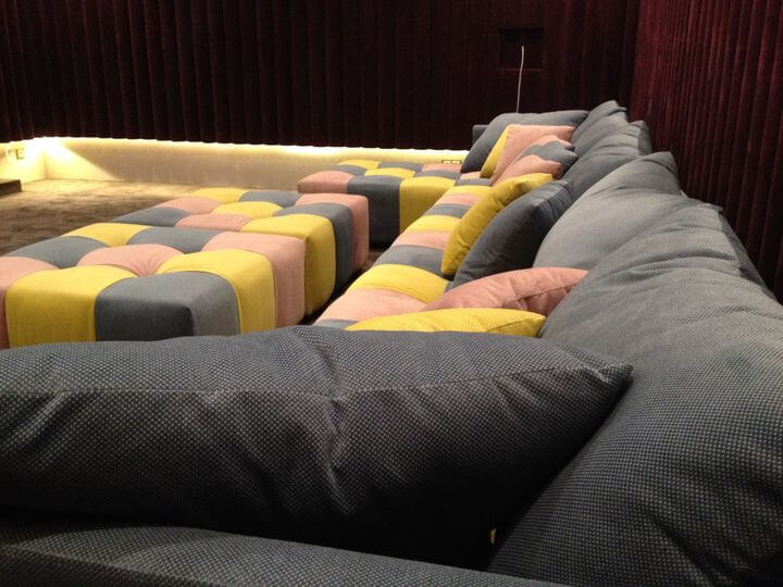 диваны в кинотеатр