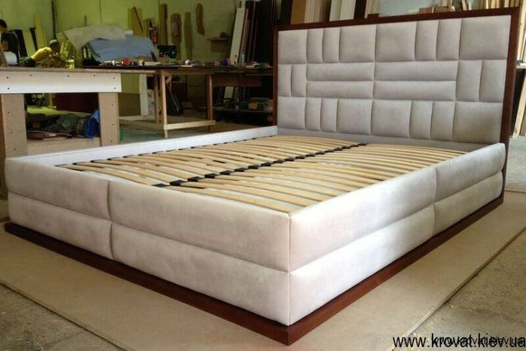 подіум ліжка з дерева