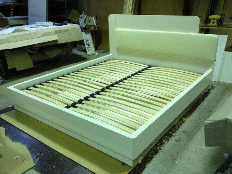 Ліжко білий глянець