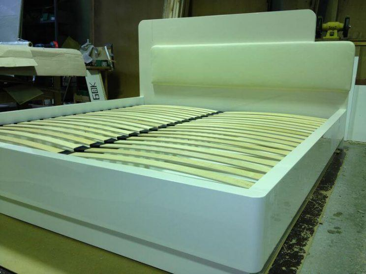 Ліжко білий глянець на замовлення