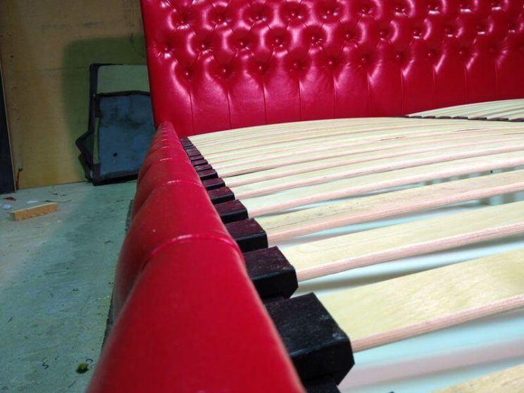 виробництво ліжок з каретною стяжкою