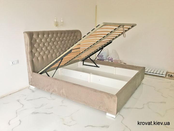 кровать с подъемным механизмом в интерьере спальни