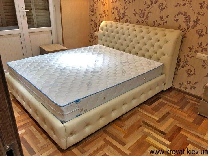 фото ліжка Честер в інтер'єрі спальні