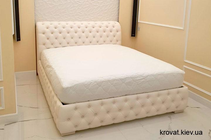 двуспальная кровать честер в интерьере спальни