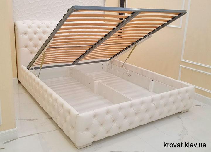 классическая кровать честер в интерьере спальни