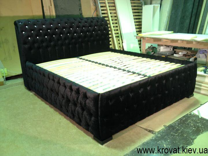 ліжко з камінням Сваровскі