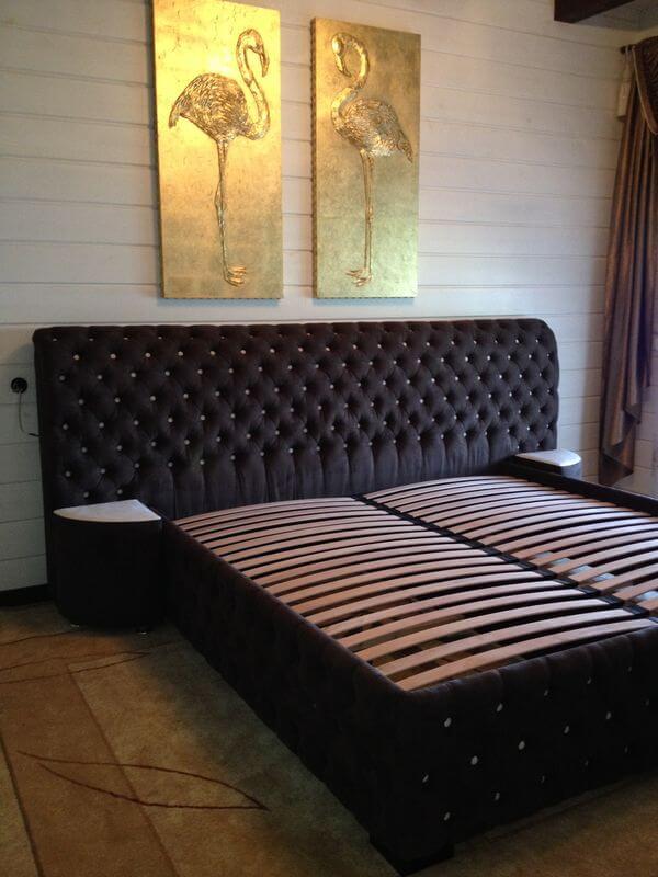 ліжко Честер в інтер'єрі спальні