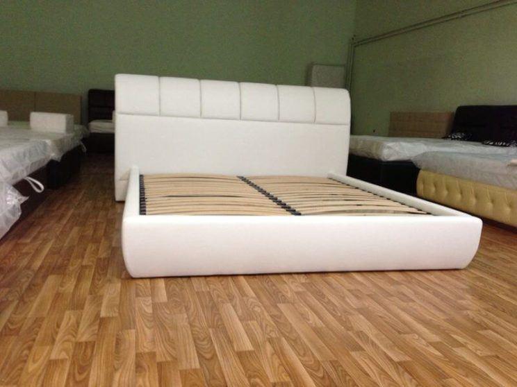 Ліжко Брістоль з м'якою спинкою на замовлення
