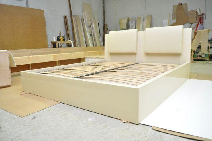 глянцевые кровати на заказ