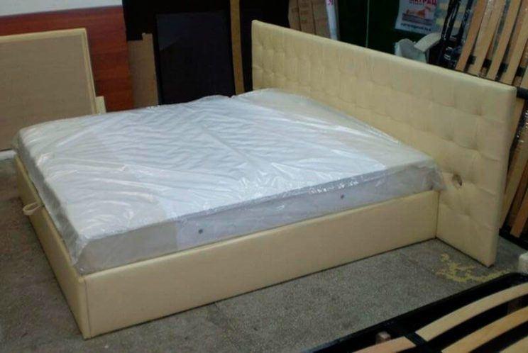 кровать Карина с большим изголовьем на заказ