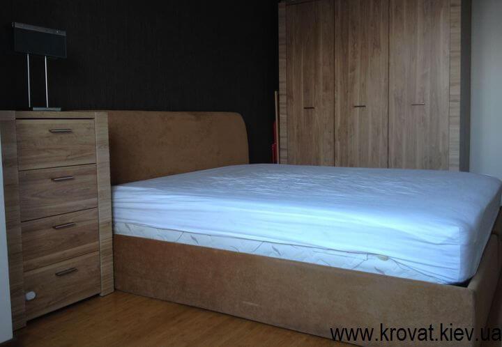 двоспальне ліжко в спальню