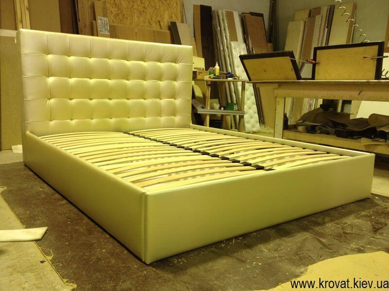 ліжко з коробом