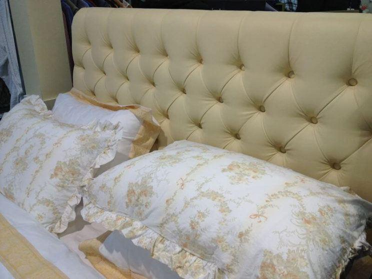Кровать Элизабет с каретной стяжкой на заказ