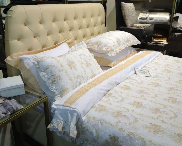 Ліжко Елізабет з капітоне на замовлення