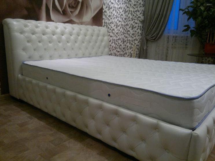 кровати с каретной стяжкой