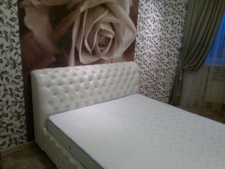 кровати с капитоне