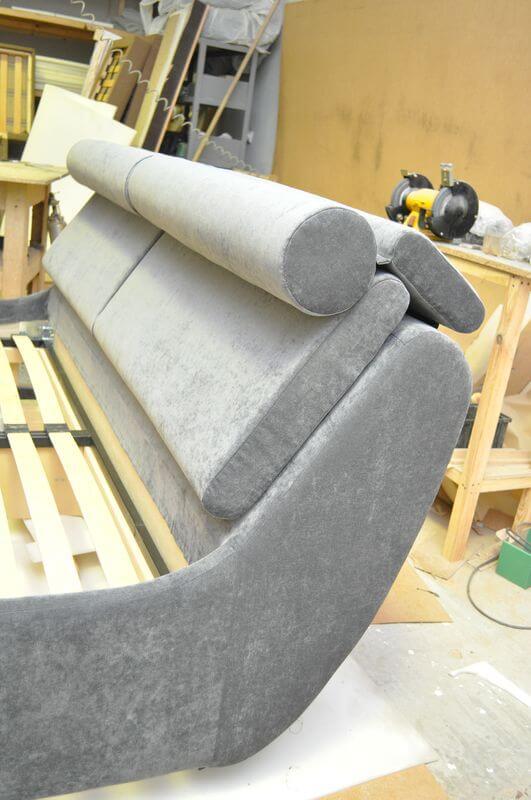 узголів'я ліжка з ухилом