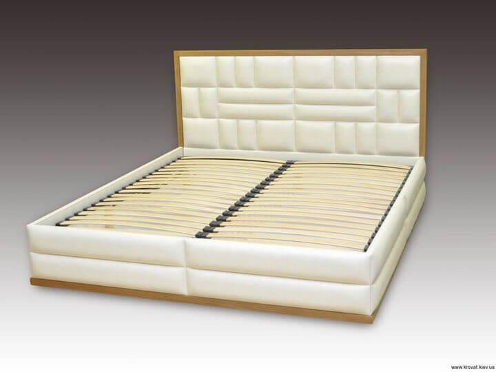 Кровать Венера с обрамлением из дерева на заказ