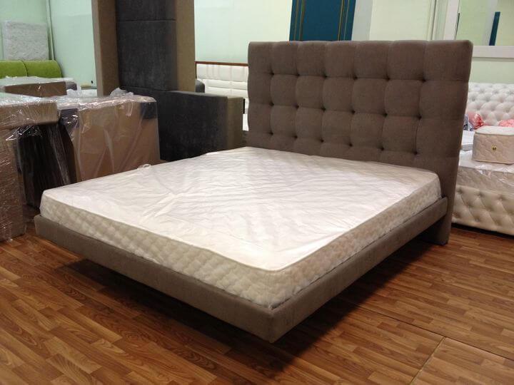 кровать повисшая над полом на заказ