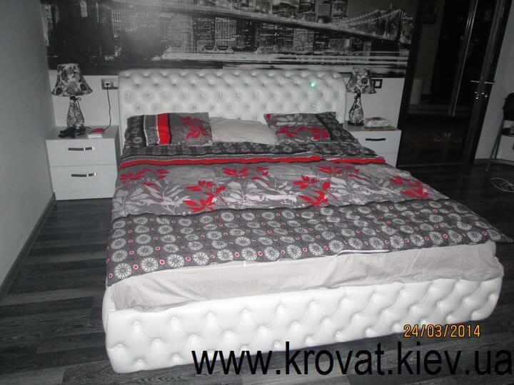 ліжка з гудзиками
