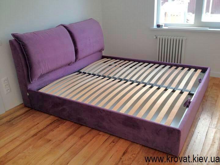 Сиреневая кровать