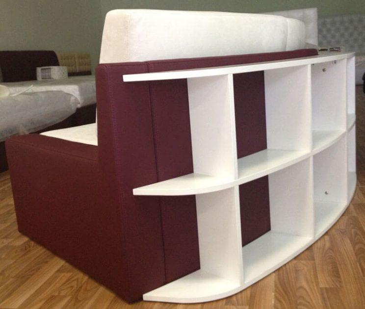 радиусный диван в интерьере