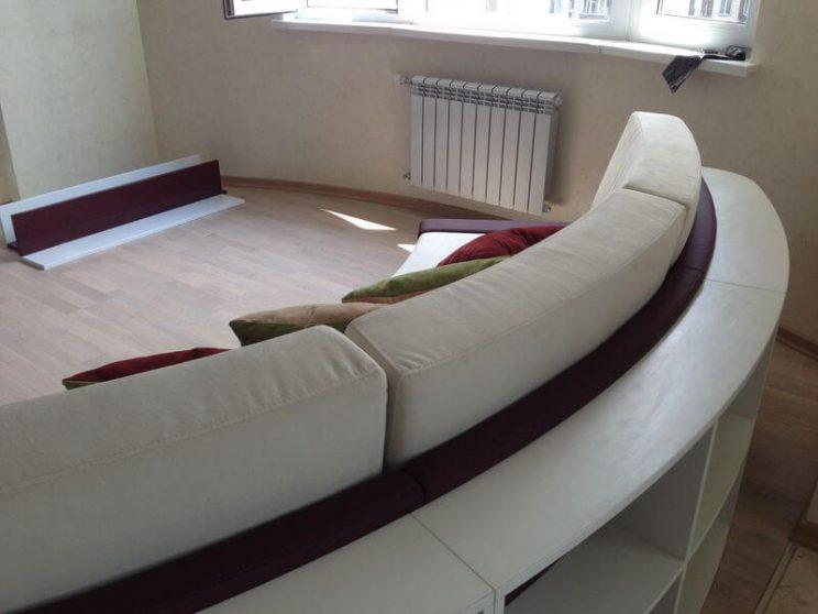 полукруглый диван в гостиную