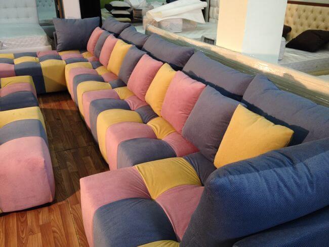 П подібний диван