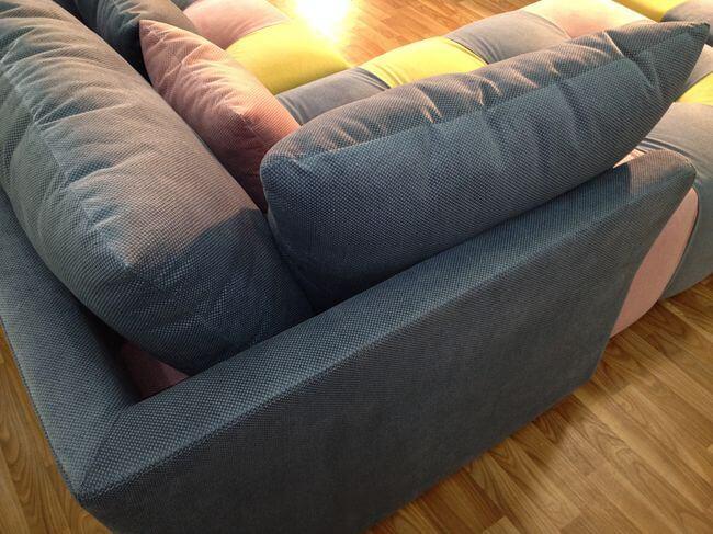 диван в приватний будинок