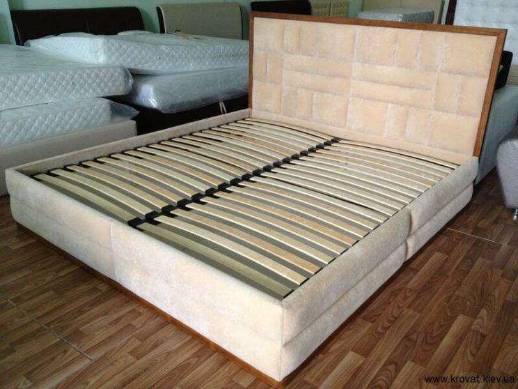 ліжко з ортопедичним матрацом