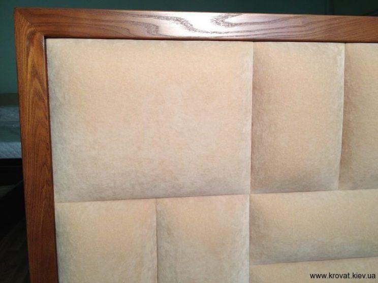 деревянное обрамление кровати