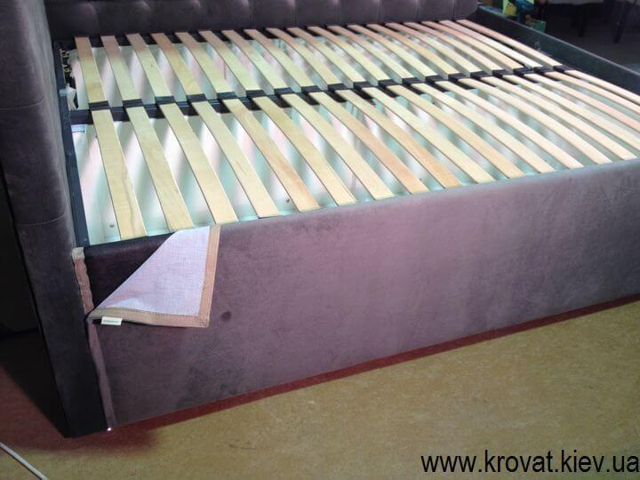 Угловая кровать в спальню на заказ