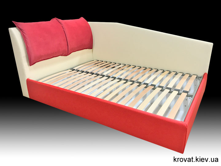 угловая кровать со съемными подушками на заказ