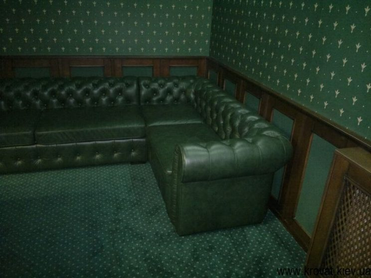 угловой диван для бильярдной